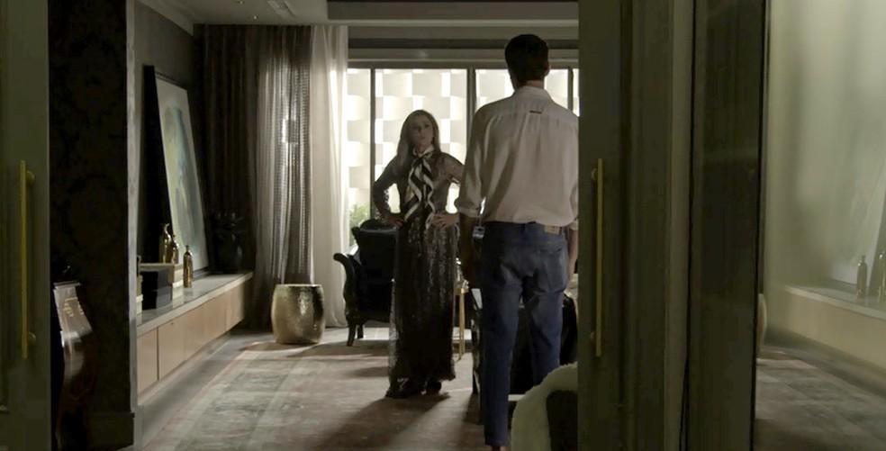 Gael decide tirar satisfações com Sophia (Foto: TV Globo)