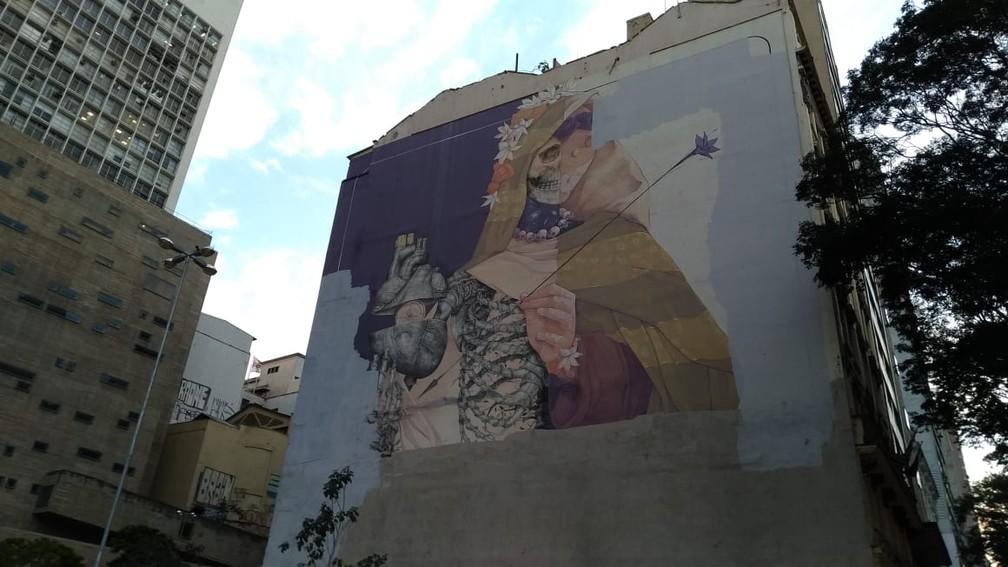 Quatro Meses Apos Polemica Grafite Em Predio No Vale Do Anhangabau Continua Parcialmente Apagado Sao Paulo G1
