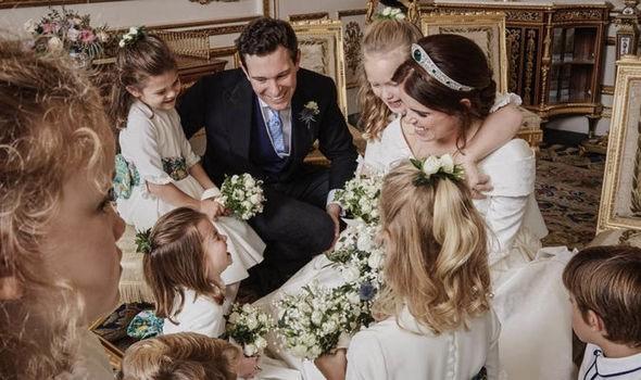 Charlotte em fotos oficiais do casamento real (Foto: Reprodução/Instagram)