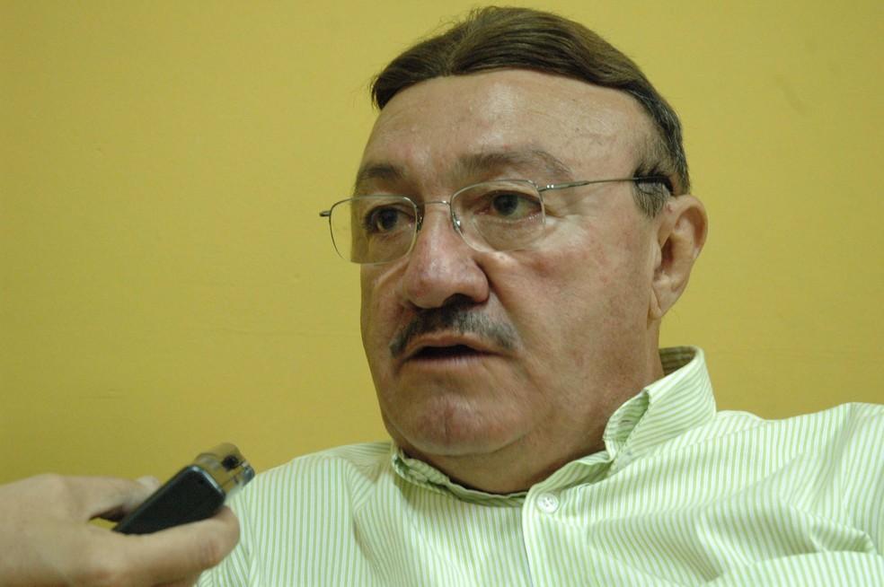 João Batista Machado, jornalista e membro da Academia Norte-rio-grandense de Letras  — Foto: Rodrigo Sena/Tribuna do Norte/Cedida