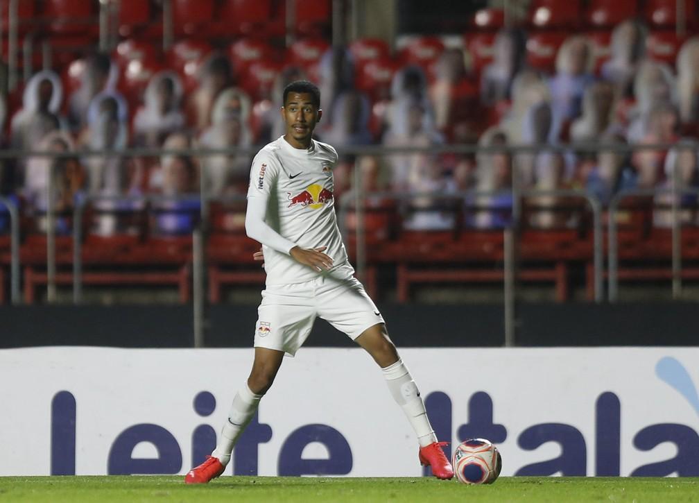 Weverson, lateral-esquerdo do Bragantino — Foto: Ari Ferreira/Red Bull Bragantino