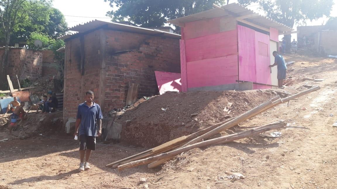 Prefeitura inicia reconstrução de moradias destruídas por incêndio em favela de Piracicaba - Notícias - Plantão Diário