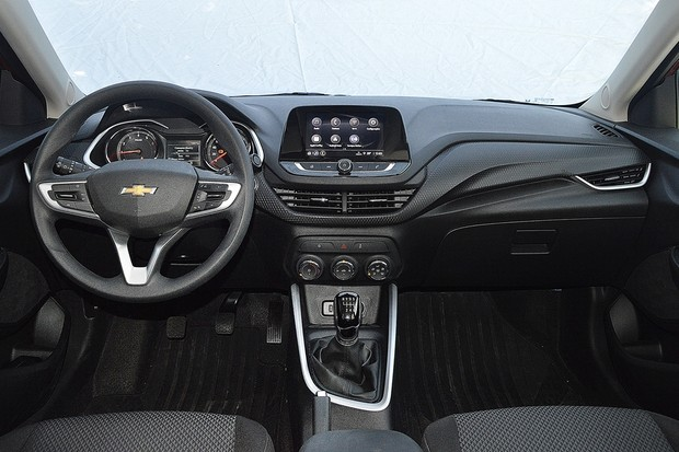 Chevrolet Onix LTZ 1.0 Turbo Manual  (Foto: André Schaun/Autoesporte)