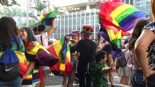 Parada LGBT reúne 3 milhões em SP, diz organização