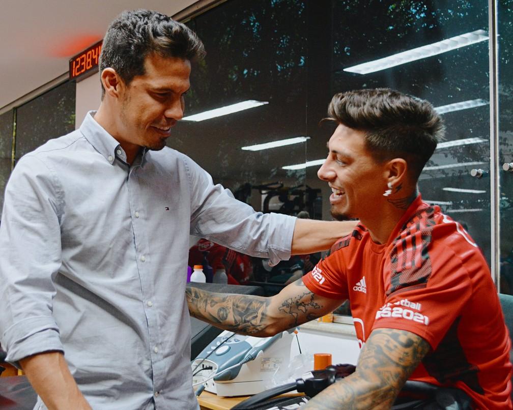 Hernanes e Rigoni no São Paulo — Foto: Fellipe Lucena / saopaulofc