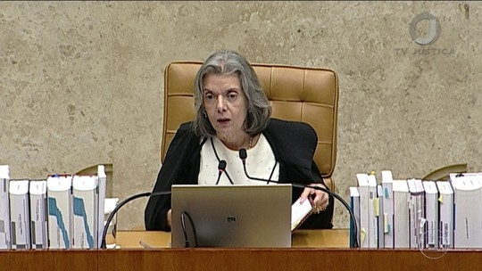 Cármen Lúcia afirma que Lula não tem tratamento especial