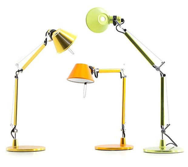 Luminária Tolomeo Table Micro, da Artemide, de alumínio, 17 x 73 cm. Dimlux, de R$ 2.890 por R$ 2.312  (Foto: Divulgação)