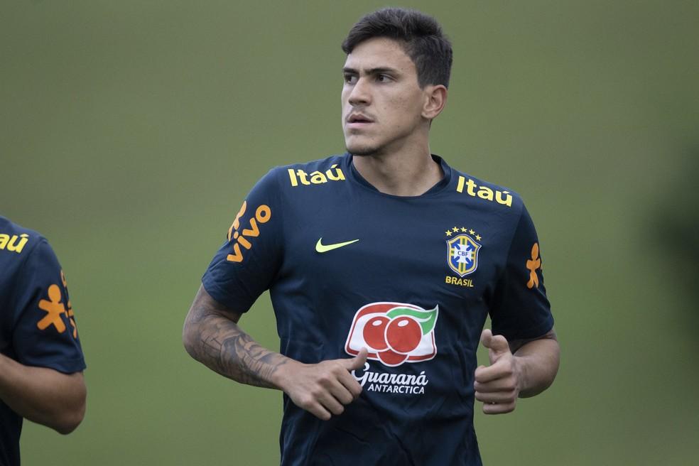Pedro, atacante do Flamengo, sentiu dores no músculo adutor da coxa e foi cortado da seleção — Foto: Lucas Figueiredo / CBF