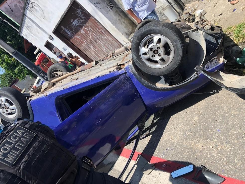 Acidente aconteceu na Rua Vitória, no Bairro Henrique Jorge, em Fortaleza — Foto: Arquivo pessoal