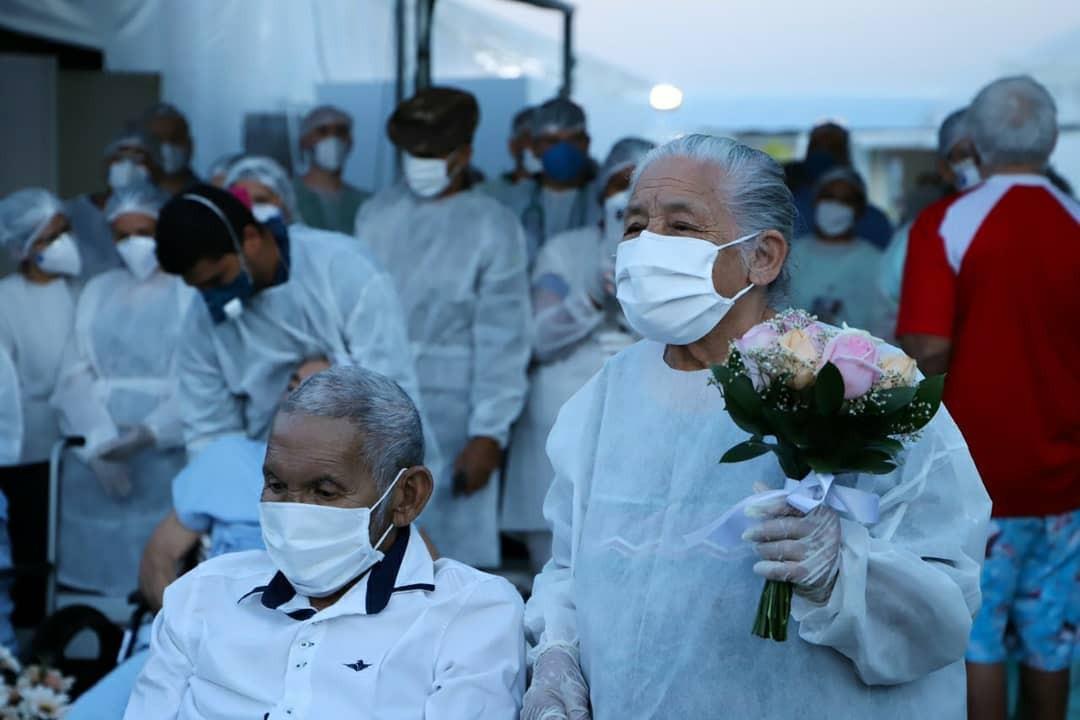 Idoso recebe alta e se casa em Hospital de Campanha exclusivo para casos de coronavírus em RR