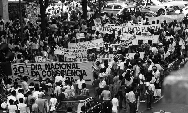 Passeata no Dia da Consciência Negra em 1983, no Centro do Rio