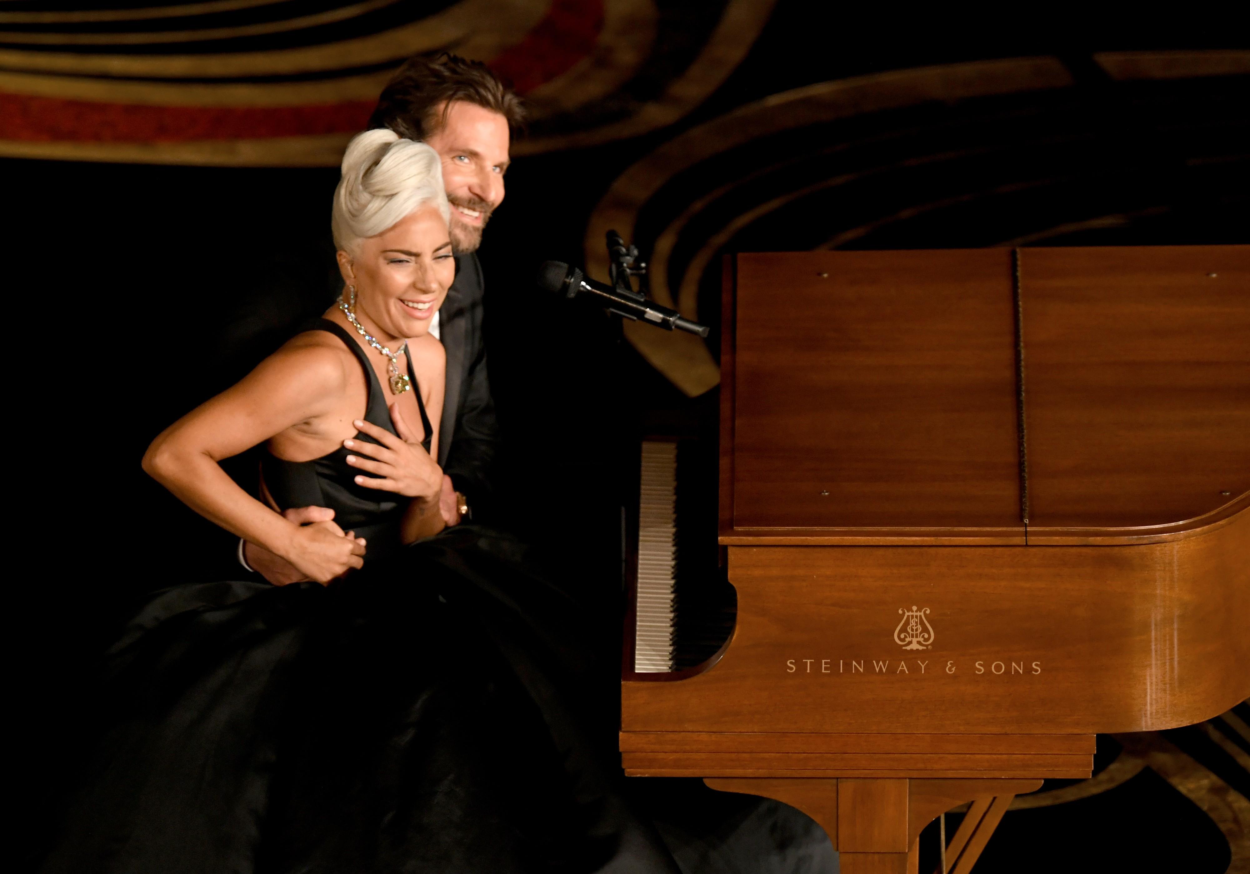 A cantora Lady Gaga ao lado do ator Bradley Cooper durante a apresentação dos dois no Oscar 2019 (Foto: Getty Images)