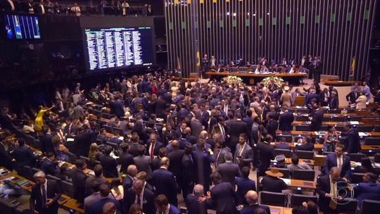PSB abre processo sobre deputados que apoiaram reforma da Previdência