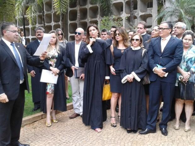 Juiz Wilton Salomão fez leitura de nota pública em defesa da autonomia do judiciário (Foto: Divulgação/Asmego)
