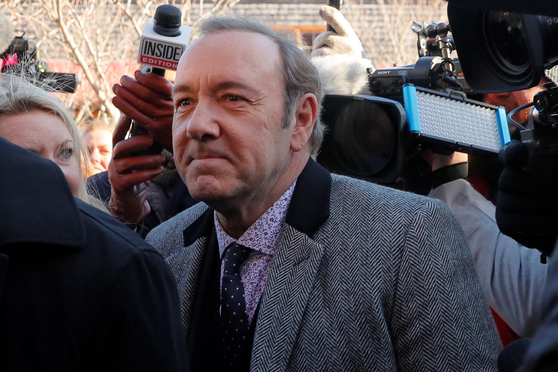 Massagista que acusava Kevin Spacey de agressão sexual morre antes de julgamento nos EUA - Notícias - Plantão Diário