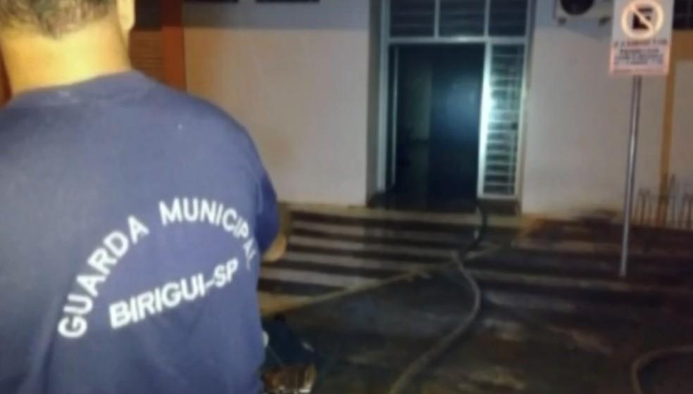 Incêndio atingiu prédio da Secretaria de Saúde (Foto: Divulgação/Prefeitura)