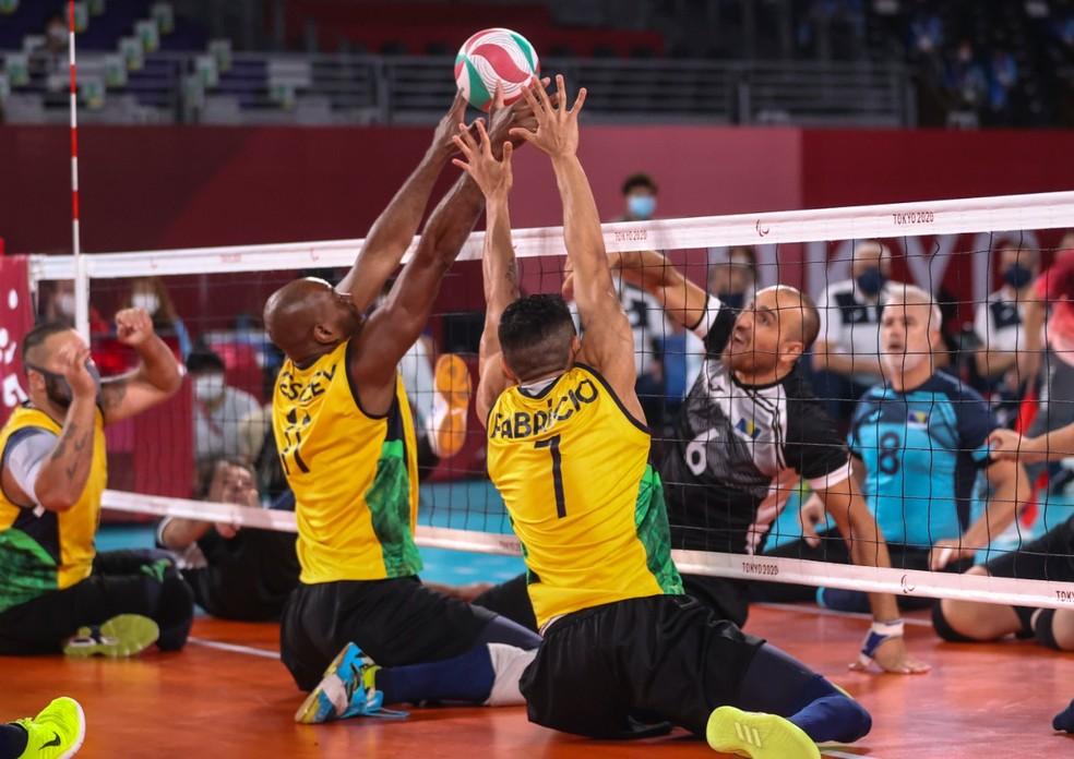 Brasil não segura Bósnia e fica sem medalha no vôlei sentado masculino — Foto: Rogério Capela/CPB
