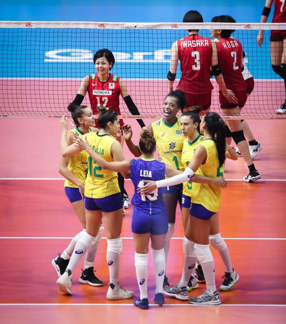 Paula Borgo explode, Brasil segura a reação do Japão e vence mais uma na Liga das Nações