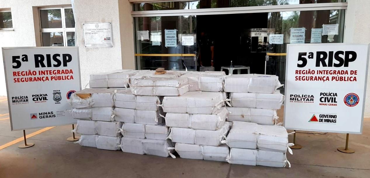 Mais de 2 toneladas de maconha são apreendidas na zona rural de Uberaba