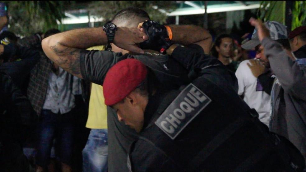 f7d930303 Quase 130 pessoas são levadas para delegacia pela Polícia Militar ...