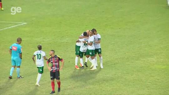 """Mateus Oliveira vibra com """"partida impecável"""" e comenta golaço: """"Não pensei duas vezes"""""""