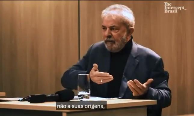 O ex-presidente Lula usa aliança em entrevista ao site The Intercept Brasil