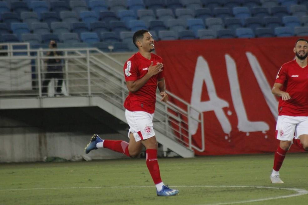 Zé Eduardo defende o América-RN por empréstimo  — Foto: Canindé Pereira/América FC
