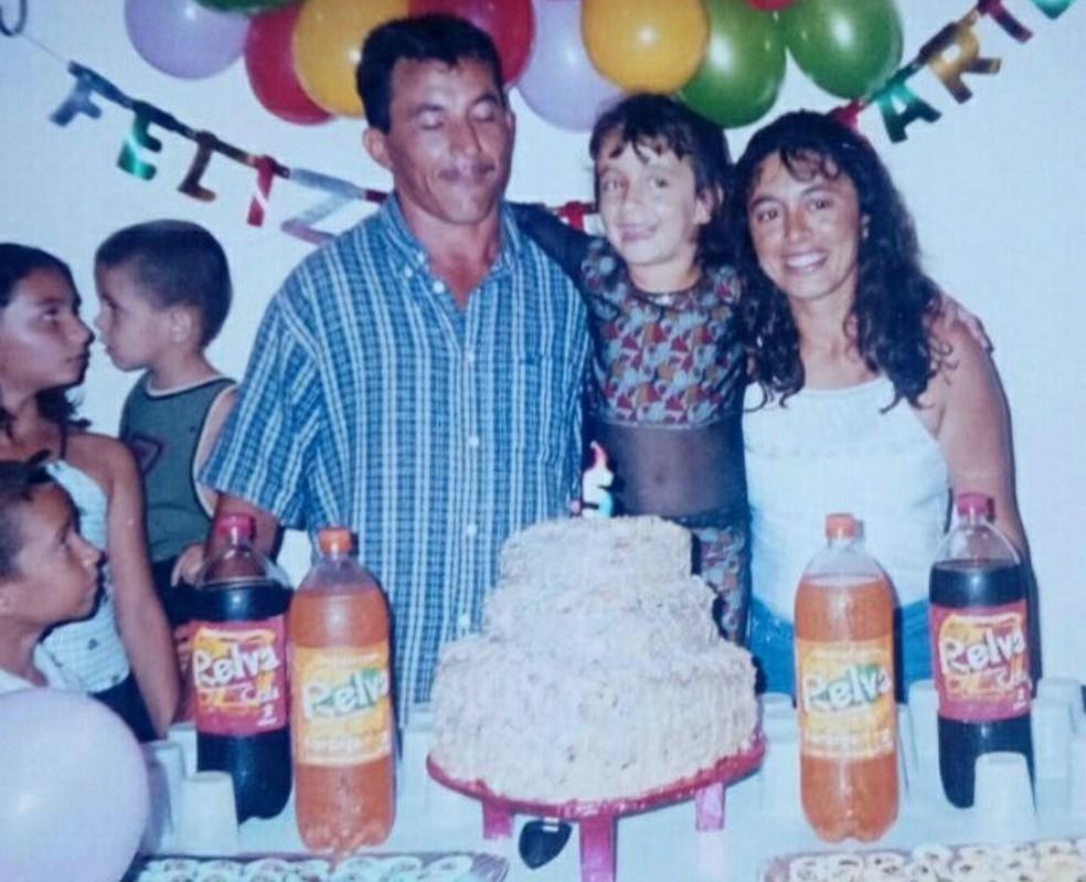 Pai de Ramila foi assassinado quando a jovem tinha apenas seis anos — Foto: Arquivo pessoal
