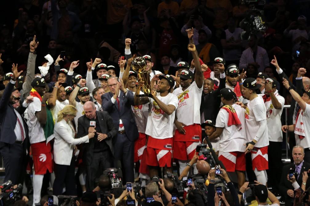 Time comemora muito o título inédito — Foto: Reuters