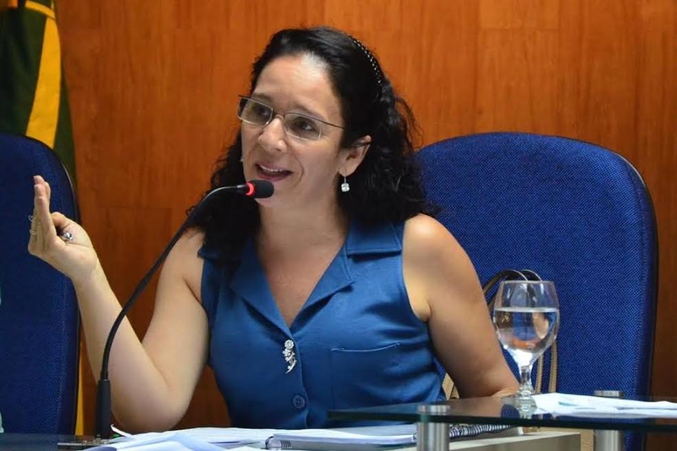 iolanda-barbosa 'Famintos': entenda operação sobre fraude em verba da merenda de Campina Grande
