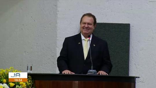 Mauro Carlesse toma posse no segundo mandato como governador do Tocantins