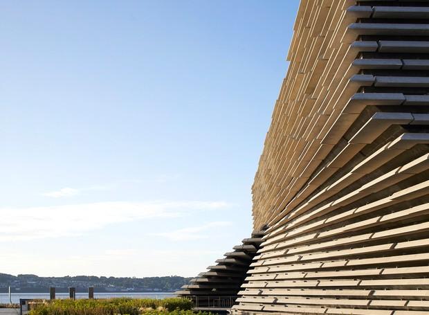 Painéis de concreto se unem formando toda a estrutura do museu (Foto: Hufton + Crow/ Reprodução)
