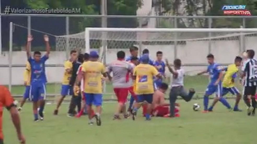 Pancadaria manchou final do Amazonense juvenil (Foto: Reprodução/Redação Esportiva)