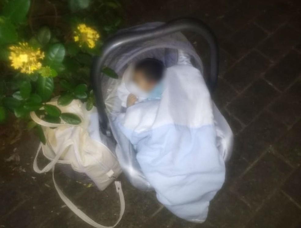 Bebê é encontrado abandonado dentro de bebê conforto em Rio Preto  — Foto: Arquivo pessoal
