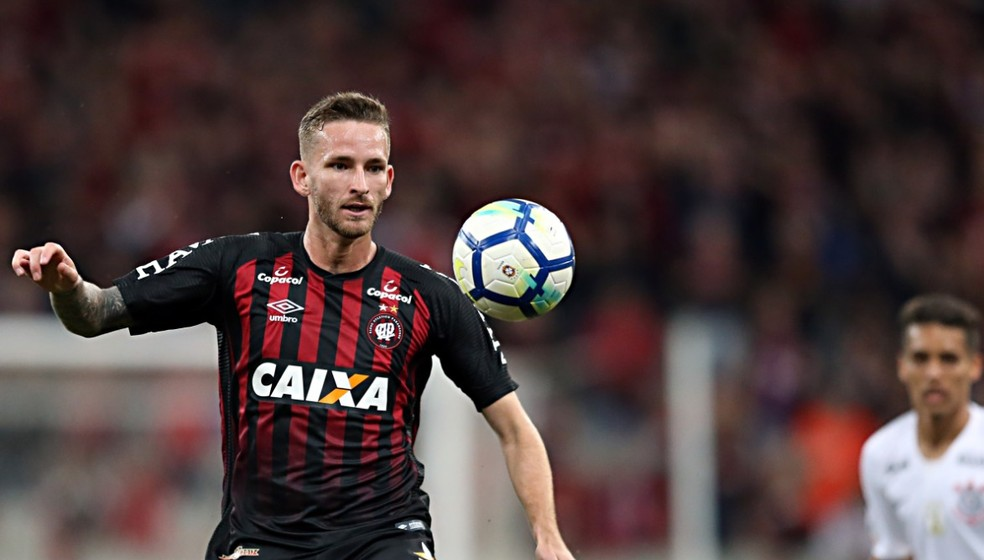 Léo Pereira foi um dos nomes mais importantes da campanha do Athletico na Copa Sul-Americana — Foto: Albari Rosa/Gazeta do Povo