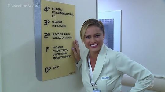 Ellen Rocche mostra bastidores de hospital cenográfico e revela: 'Quase fui médica'