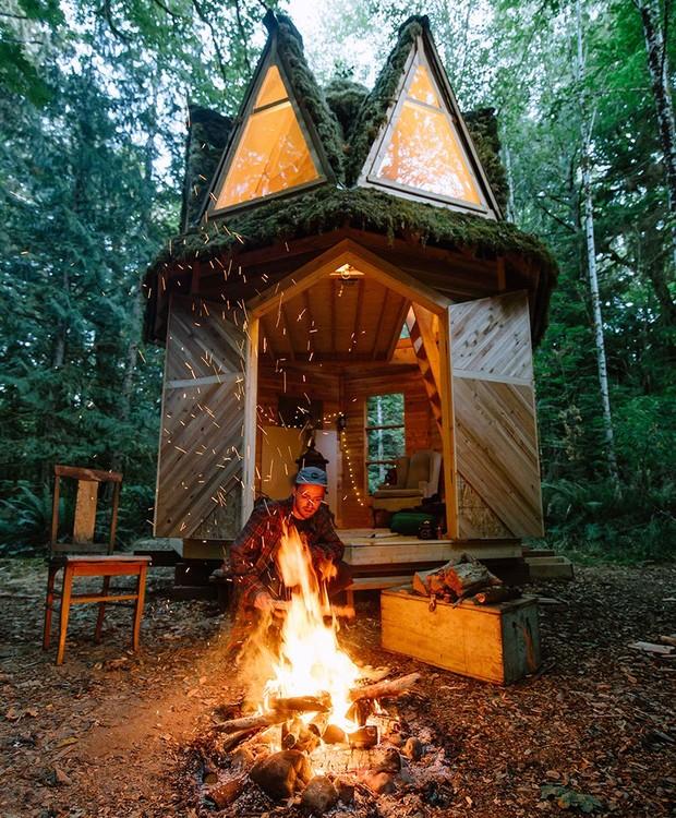 A construção é perfeita para quem gosta de viajar em meio a floresta (Foto: Instagram/ Reprodução)