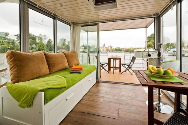 O barco (que é uma casa), da Nautilus Hausboote (Foto: Divulgação/ Nautilus Hausboote)