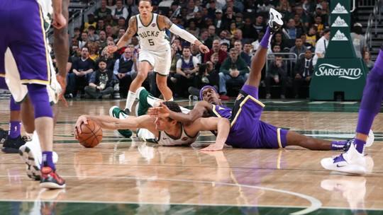Sem Lebron, Lakers perdem para o Milwaukee Bucks em casa: 115 a 101