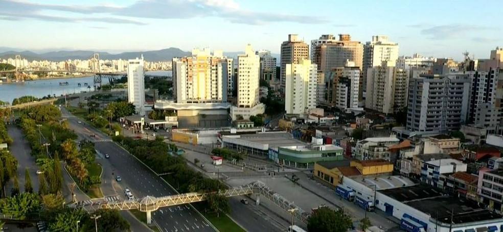 Florianópolis na manhã desta quinta-feira — Foto: Reprodução/ NSC TV