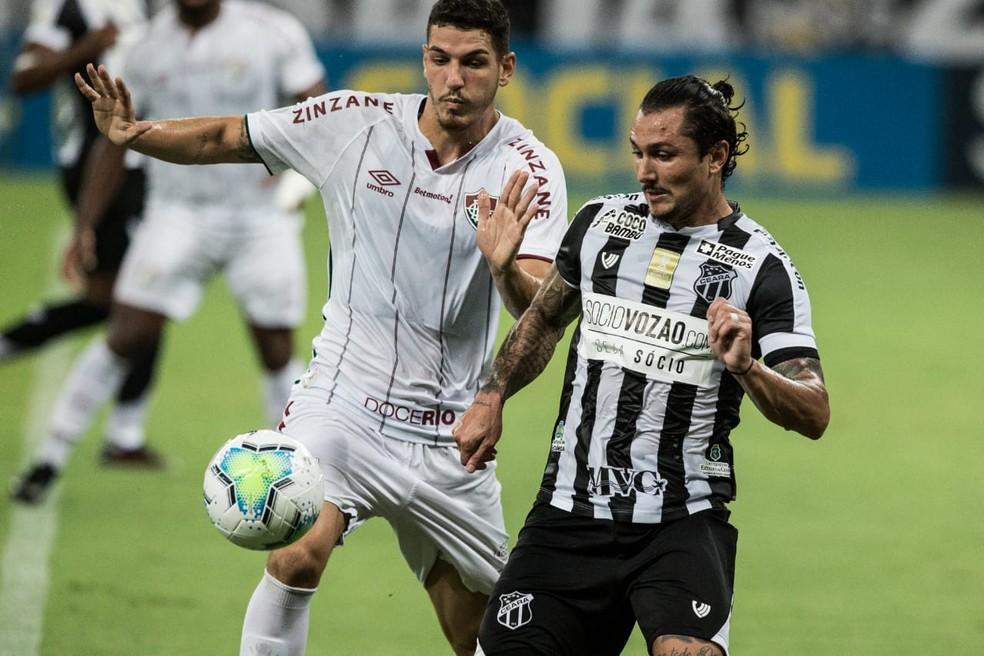 Defesa tricolor sofreu mais com ataque do Ceará do que habitual — Foto: Thiago Gadelha / SVM