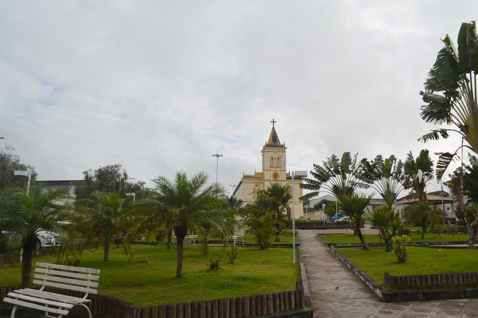 Cidade de Castro Alves, na Bahia, vazia após tremor de terra na manhã deste domingo (30) — Foto: Leandro Alves/Blog Bahia10
