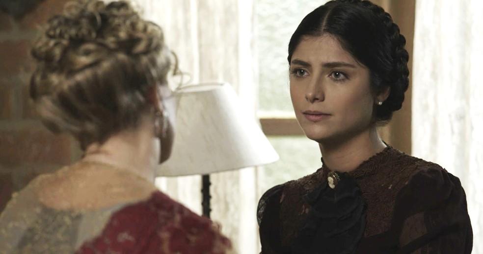 Fani assume seus erros para Josephine  (Foto: TV Globo)