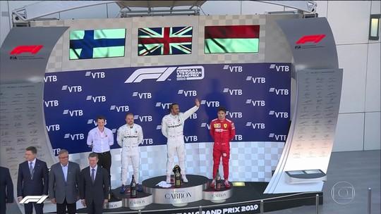 Lewis Hamilton conta com a sorte e vence GP da Rússia