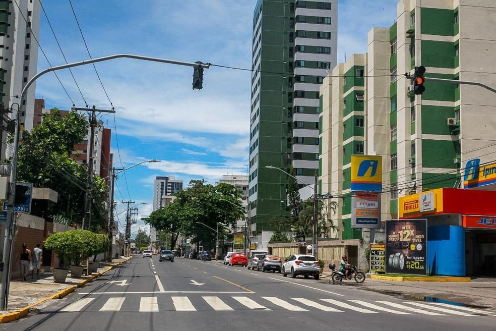 Avenida Bernardo Vieira de Melo será mão única a partir do sábado (28), em Candeias — Foto: Chico Bezerra/Prefeitura de Jaboatão dos Guararapes