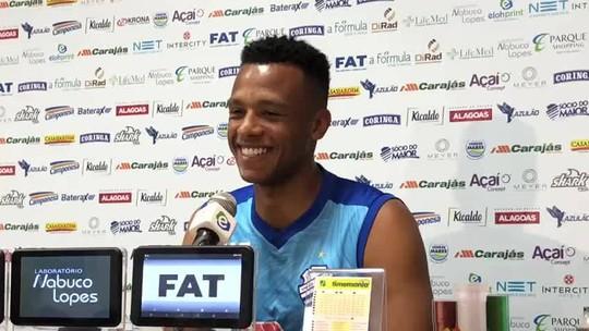 """Jordi fala do bom momento no CSA e revela: """"As pessoas têm me conhecido muito pelo Cartola"""""""