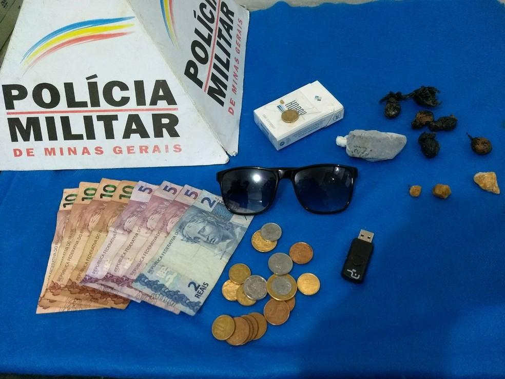 Materiais apreendidos pela PM no Parque Halfeld (Foto: Polícia Militar/Divulgação)