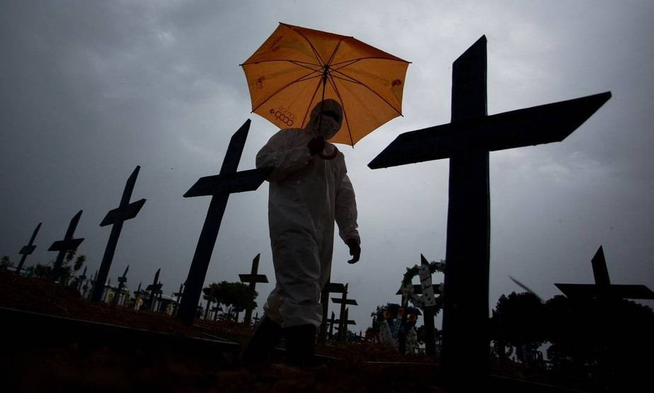 Brasil tem novo recorde diário de mortes por covid-19 e total passa de 282 mil | Brasil | Valor Econômico