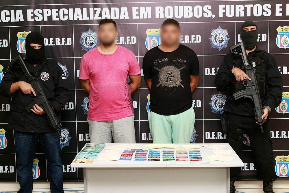 Irmãos são presos suspeitos de aplicar golpe em idoso dentro de agência bancária em Manaus