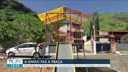 Moradores de Valença se reúnem para reformar praça no bairro Jardim Torres Homem